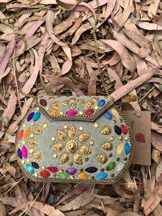 Bolso CLutch piedras, joya, bolso de la india, colores, bolso invitada