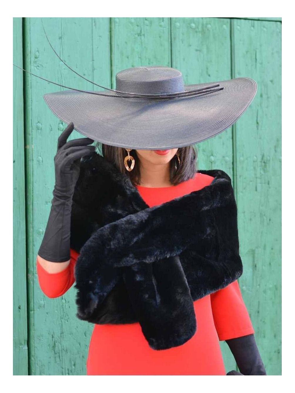 Estola Samper - estola negra - invitada perfecta bodas de invierno - Mariquita trasquilá