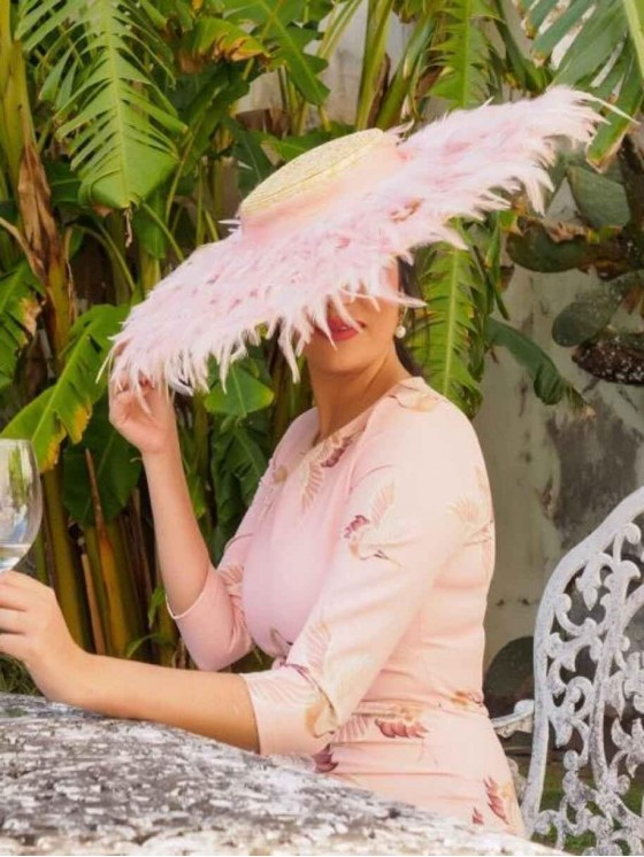 Pamela Plumas M.T. - tocado de plumas - tocados para bodas - pamela para boda - Mariquita Trasquilá