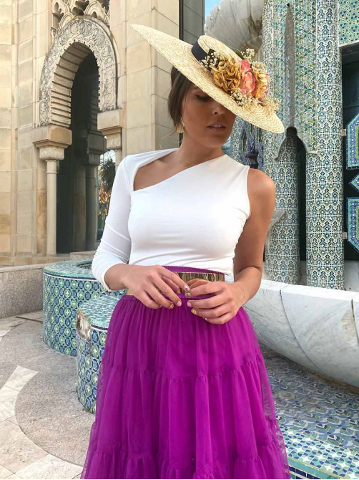 Tocado Pamela Flora, invitada perfecta, pamela para boda, Mariquita Trasquilá
